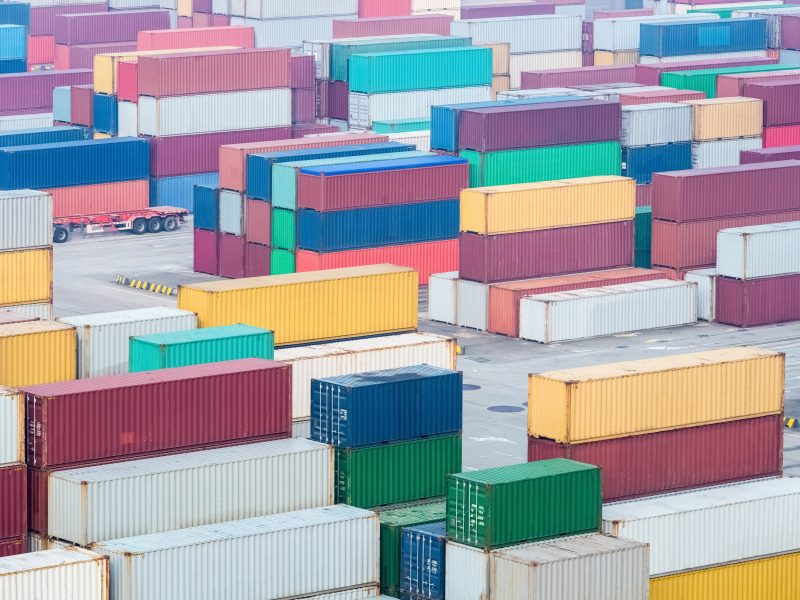 container-yard-hub-station-of-maritime-transport-PS3YP8G